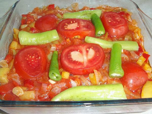 Auberginen mit Olivenöl - Zeytinyağlı Patlıcan
