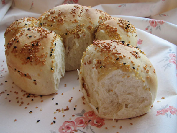Brot mit Sesam - Susamlı Çiçek Ekmek