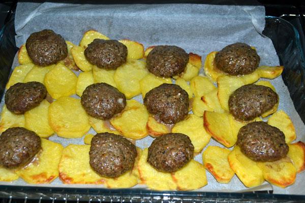 Frikadellen mit Kartoffel - Patatesli Köfte