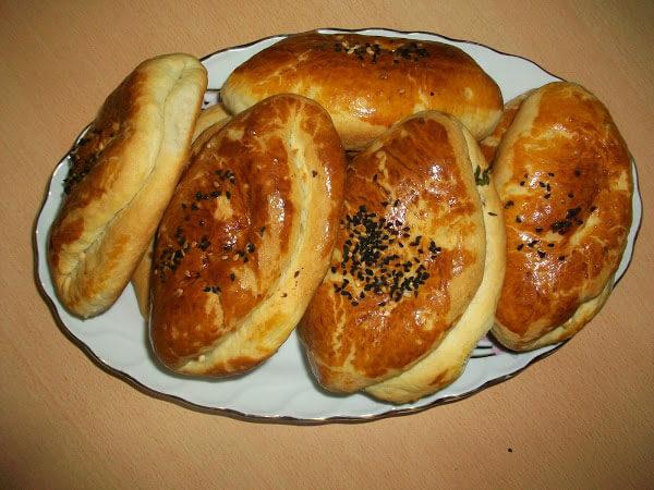 Gebäck mit Käse und Petersilie - Peynirli Maydanozlu Poğaça