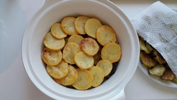 Auberginen mit Hackfleisch - Kıymalı Patlıcan Oturtma