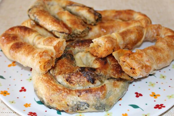 Börek mit Hackfleisch - Kıymalı Çarşaf Böreği