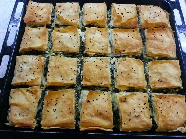 Börek mit Spinat und Käse - Ispanak ve Peynirli Börek