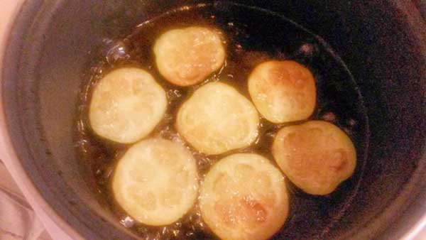 Auberginen aus dem Ofen - Vejetaryen Patlıcan Oturtma