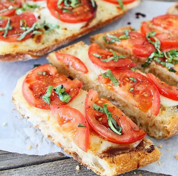 Brote mit Gemüse - Sebzeli Ekmek