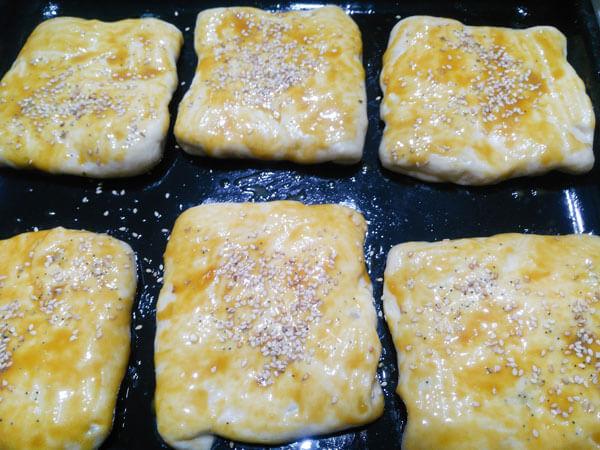 Gebäck mit Kartoffel und Käse - Peynirli Patatesli Poğaça
