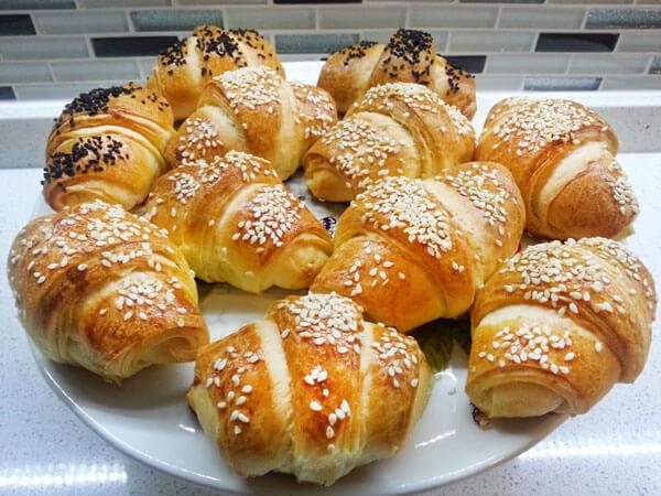 Gebäck mit Käse - Peynirli Katmer Poğaça