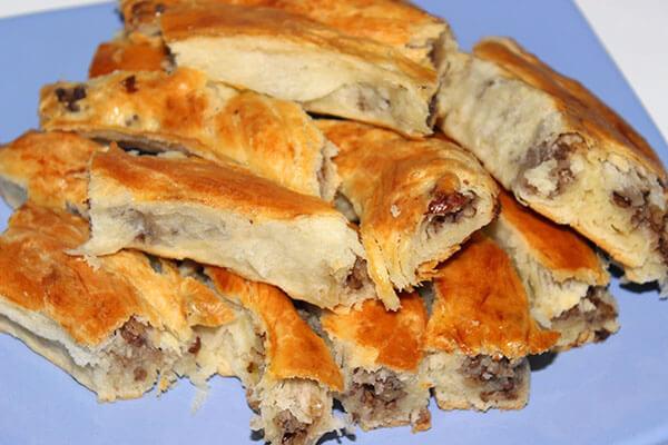 Börek mit Hack und Walnüssen - Cevizli Kıymalı Börek