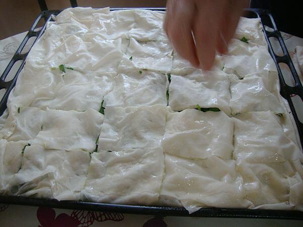 Börek mit Spinat - Leziz Ispanaklı Börek