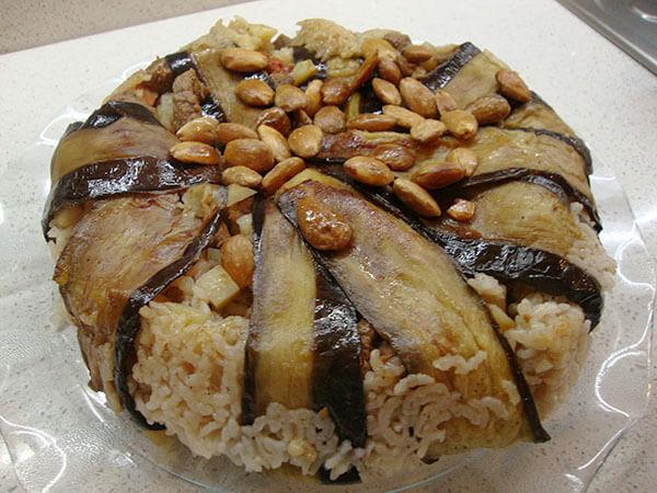 Lammfleisch mit Gemüse und Reis - Maklube
