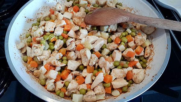 Börek mit Gemüse - Garnitürlü Üçgen Börek