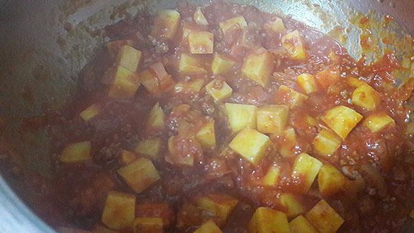 Erbseneintopf mit Kartoffel - Patatesli Bezelye