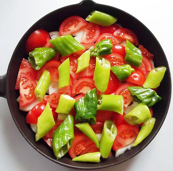 Pelamide mit Gemüse - Sebzeli Palamut