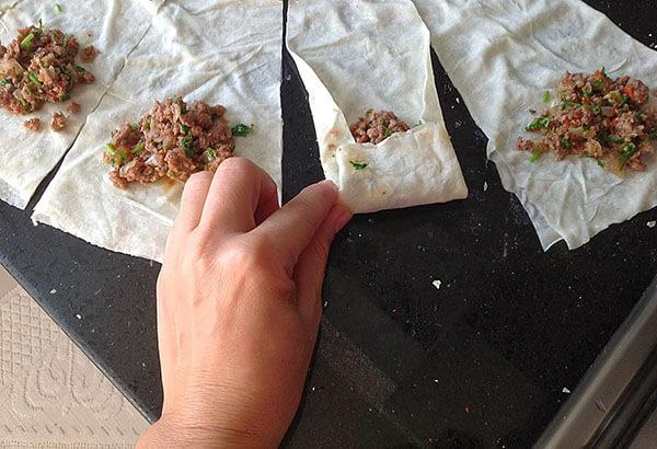Börek mit Gemüse und Hack - Sebzeli Kıymalı Börek