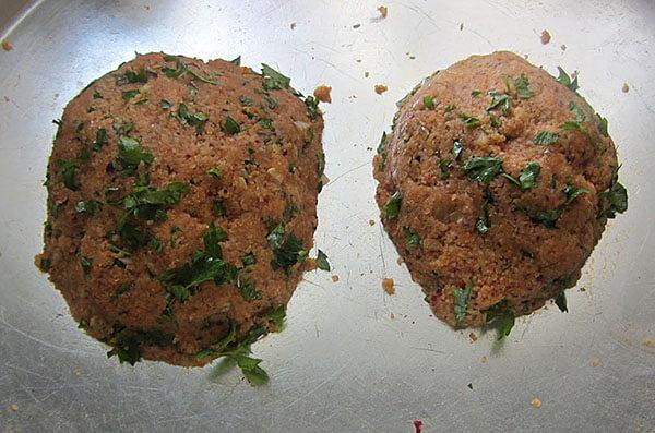 Vegetarische Klöße - Patatesli Bulgur Köftesi