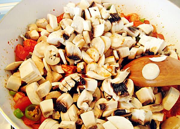 Hähnchen mit Champignons - Mantarlı Tavuk