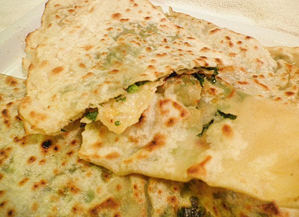Pfannkuchen mit Spinat - Ispanaklı Çiğ Börek