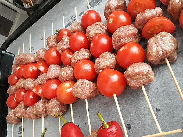 Photo of Hackbällchen mit Tomaten – Domatesli Fırın Köfte