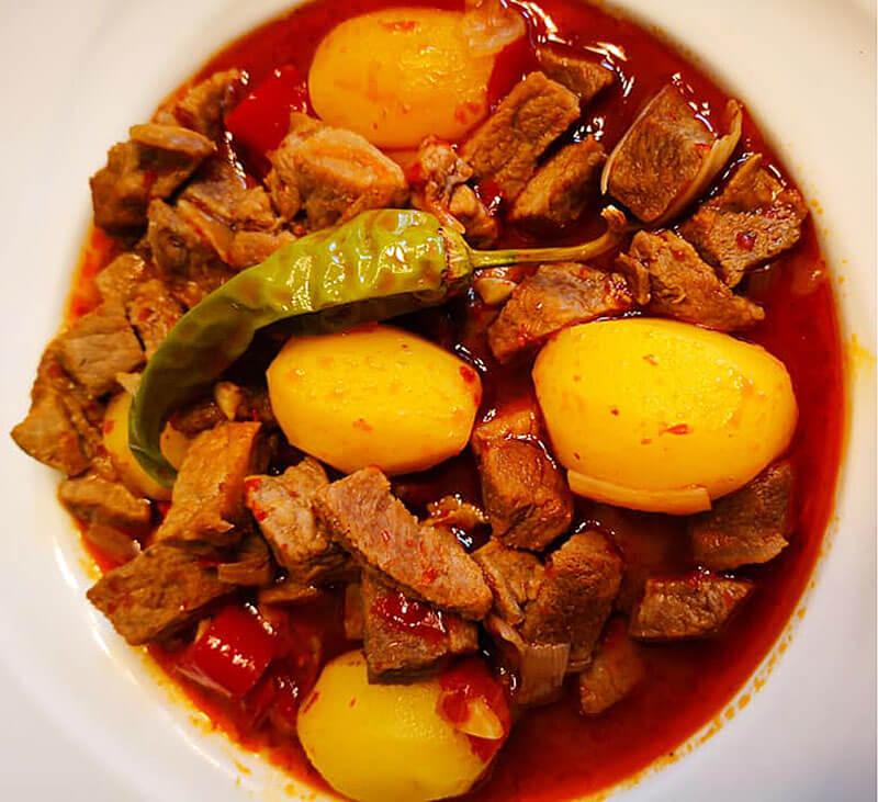 Fleischeintopf Rezept - Tas Kebabı