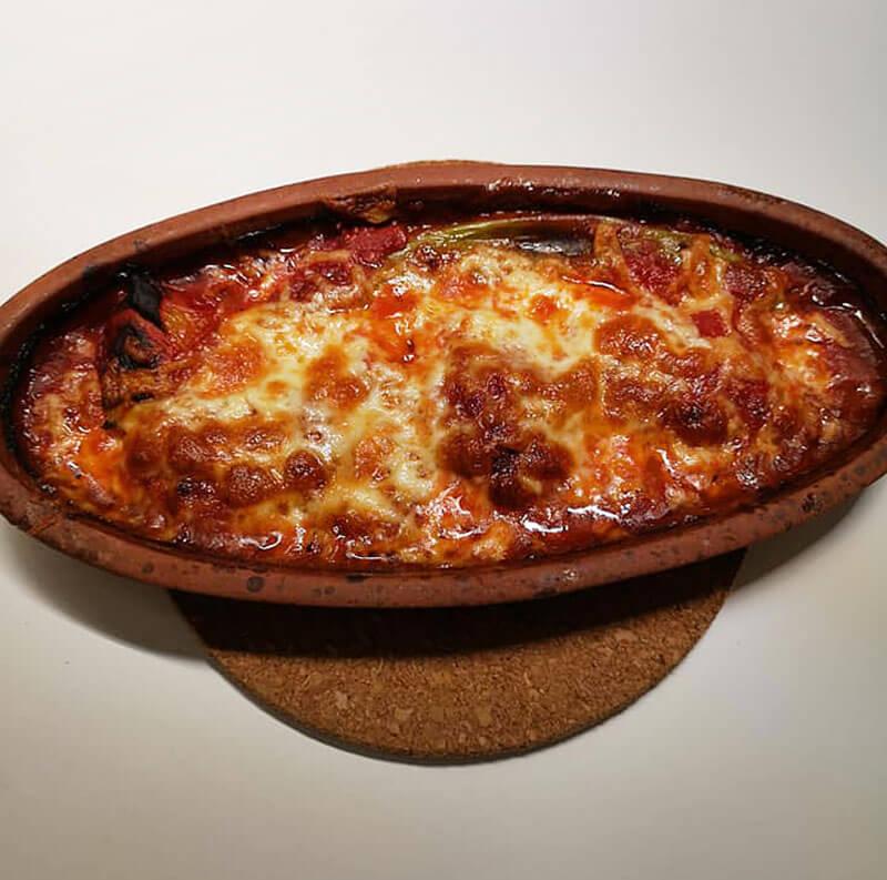 Frikadellen mit Käse überbacken - Kiremitte Köfte